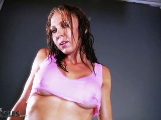 Vicky Star hot and sweaty in gym shoot-7