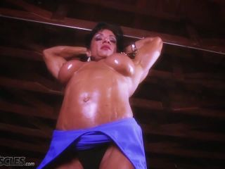 A very buff Marina Lopez flexing her muscles-4