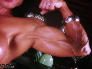 A very buff Marina Lopez flexing her muscles-7