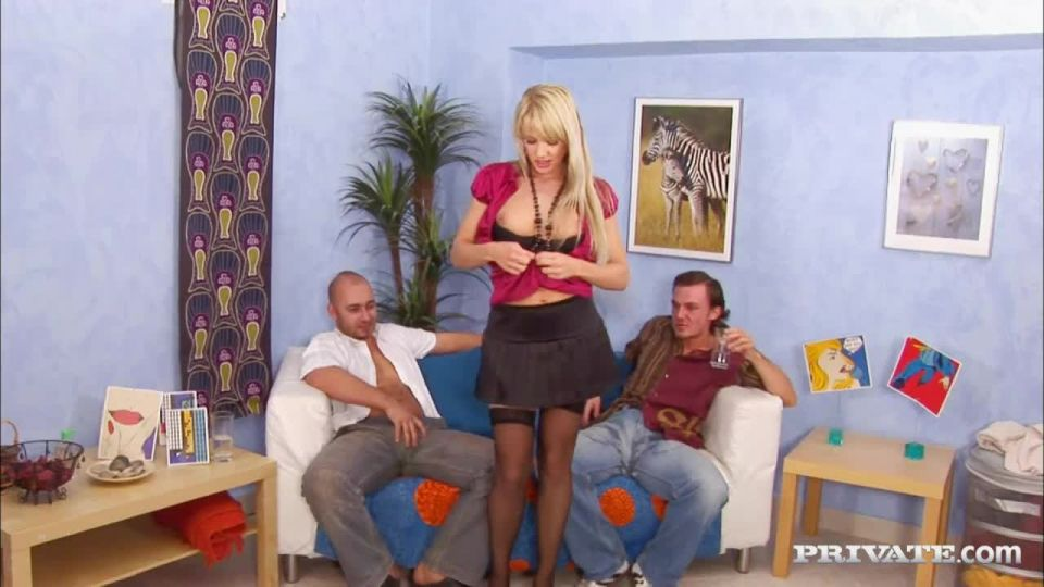 Natalli Di Angelo Strips before Oily Threesome