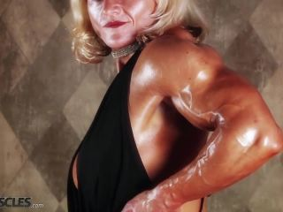 Brigita is a muscle worshiper dream come true-2