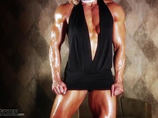 Brigita is a muscle worshiper dream come true-3