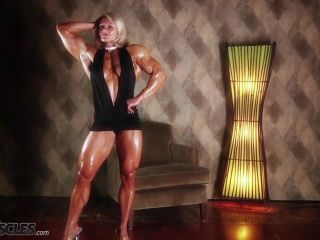 Brigita is a muscle worshiper dream come true-4