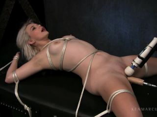 Lucy Blaze - Machine Fucked-2