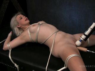 Lucy Blaze - Machine Fucked-4