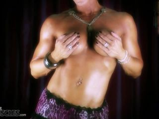 Kinky Tracy Daniels stripping in classy shoot-0