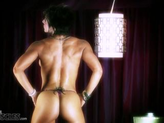 Kinky Tracy Daniels stripping in classy shoot-6