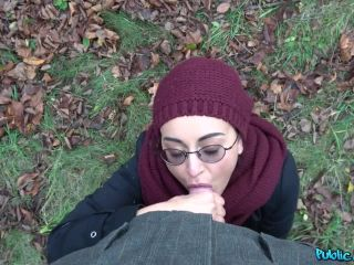 Afghan beauty gives forest blowjob-4