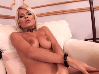 The blond babe Jasmine Rouge is bac-4