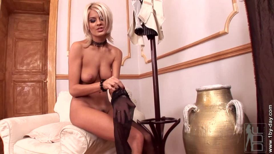 The blond babe Jasmine Rouge is bac
