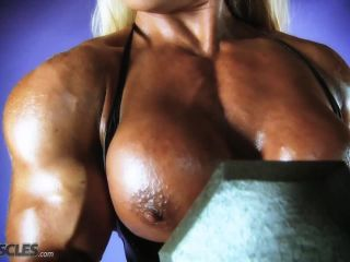 Lisa Cross Work Out her Tasty Tits-6
