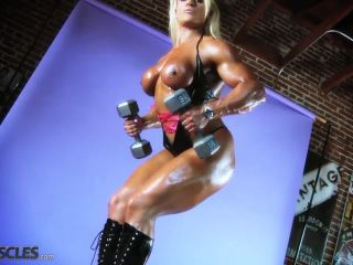 Lisa Cross Work Out her Tasty Tits-8
