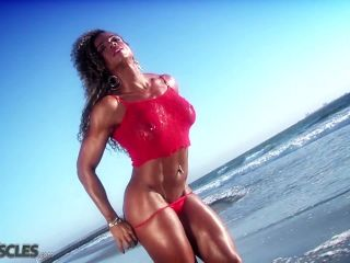 Muscle bound babe Alexis Ellis-6